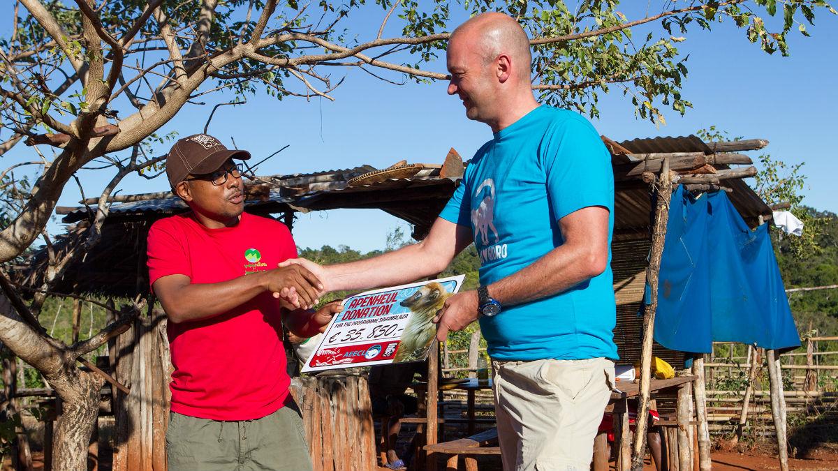 Apenheul donatie blauwoogmaki's Madagaskar